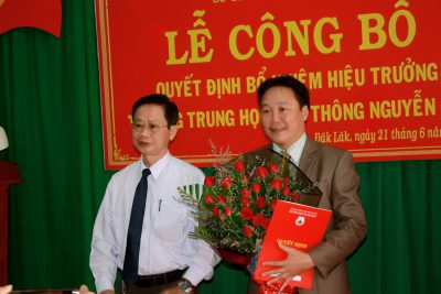 Lễ công bố quyết định bổ nhiệm Hiệu trưởng trường THPT Nguyễn Huệ 2019 – 2024